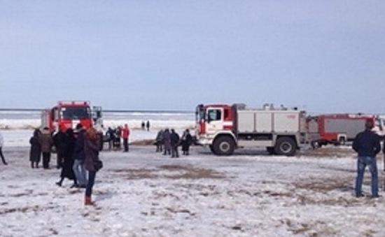 Latvia giải cứu  200 người mắc kẹt trên băng