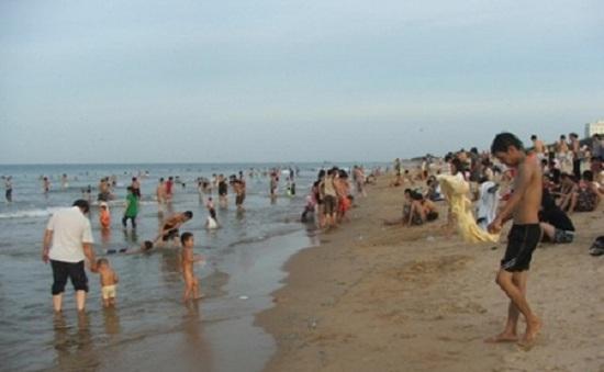 Tắm biển, 2 học sinh chết đuối