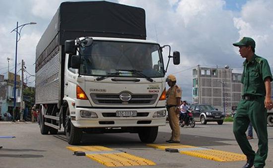 Từ tháng 12, tăng cường xử lý xe chở quá tải