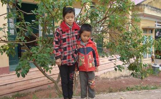 Gia đình ăn nhầm... thuốc diệt cỏ cần sự trợ giúp