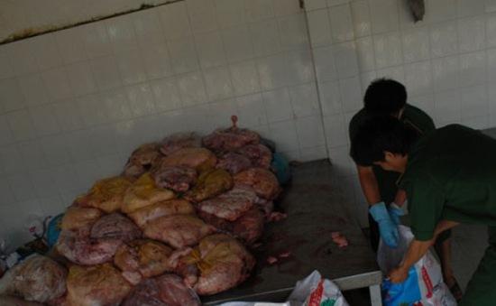 """Thịt """"bẩn"""" tràn vào TP.HCM dịp cuối năm"""