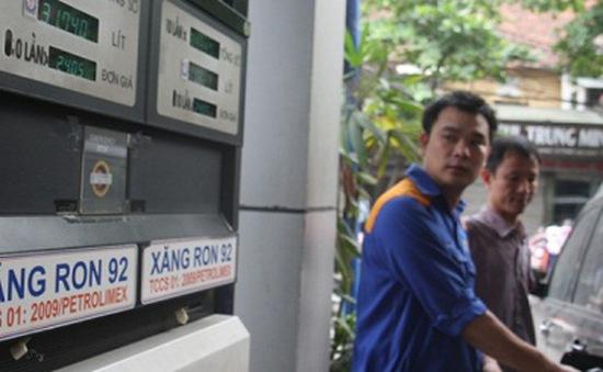 Dầu diesel giảm hơn 300 đồng/lít