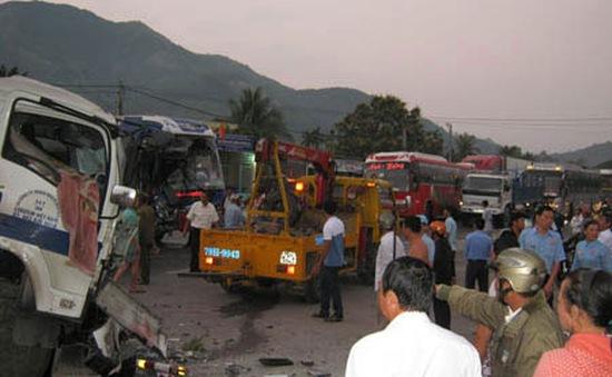 TNGT trên QL1A ở Khánh Hòa,7 người bị thương