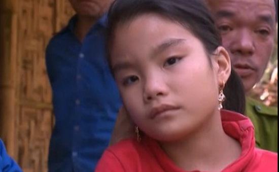 Niềm vui của gia đình cháu Kim Anh sau khi được phẫu thuật tim