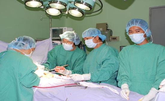 TP.HCM: Cứu sống thành công bệnh nhân có khối u nặng 7kg