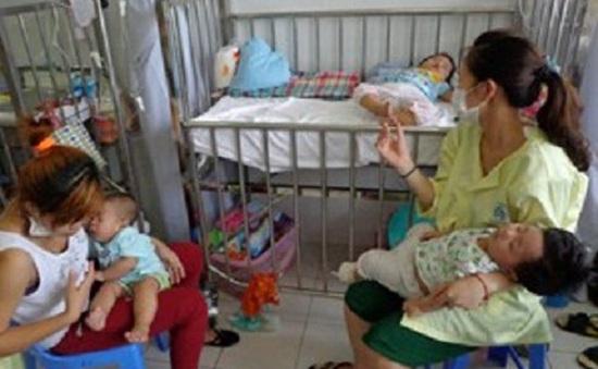 Lập 5 đoàn kiểm tra bệnh sởi tại Hà Nội, TP.HCM