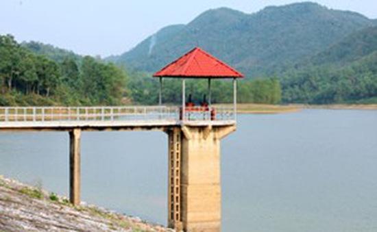 Nhiều hồ thủy điện xả nước chống hạn