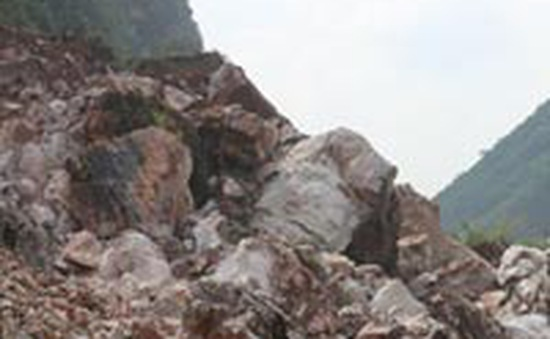 Tìm thấy thi thể 4 nạn nhân mất tích trong vụ sạt lở đá ở Hà Giang