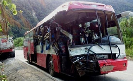 Xe khách đâm xe container ở Phú Thọ, một người tử vong
