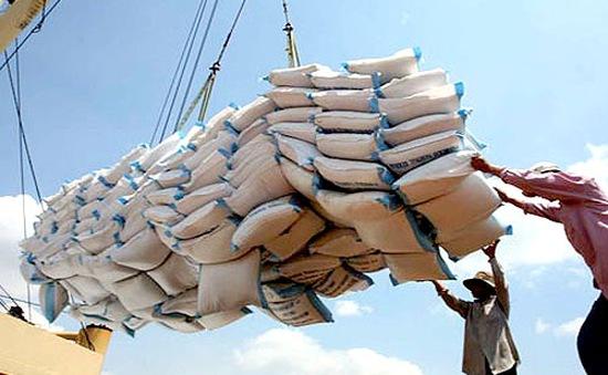 Xuất khẩu gạo tiếp tục gặp khó khăn
