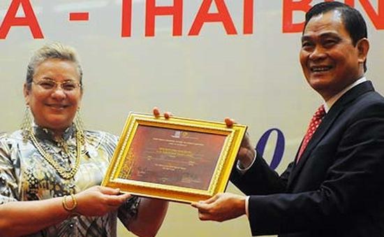 Châu bản triều Nguyễn đón nhận bằng Di sản tư liệu thế giới