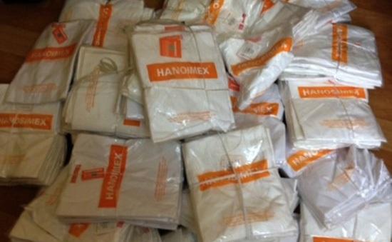 Tạm giữ hơn 1.000 sản phẩm may mặc giả nhãn hiệu Hanosimex