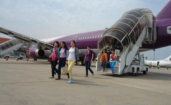 Tạm dừng đưa du khách tới vùng dịch Ebola