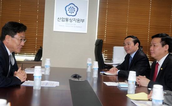 Đoàn cấp cao Ban Kinh tế Trung ương Việt Nam thăm Hàn Quốc