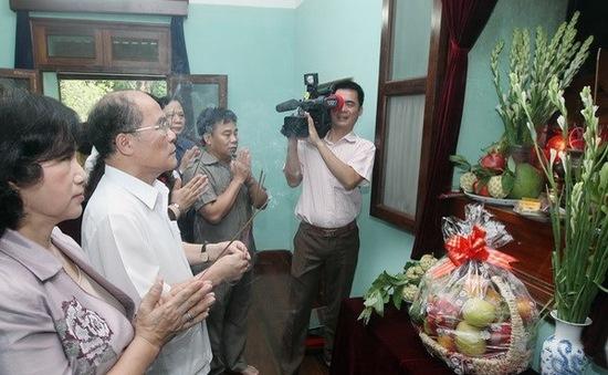 Lãnh đạo Đảng, Nhà nước dâng hương tưởng nhớ Chủ tịch Hồ Chí Minh