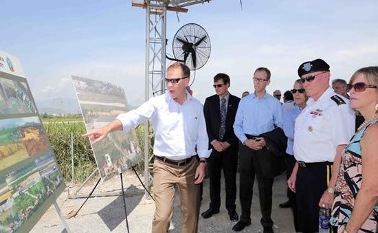 Tướng Dempsey thăm dự án xử lý dioxin tại sân bay Đà Nẵng