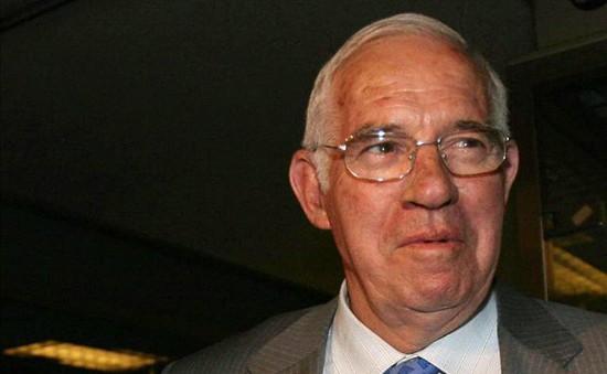 """Nhà hiền triết"" Luis Aragones qua đời ở tuổi 75"