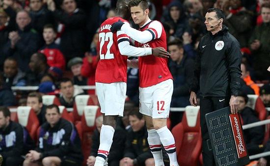 """Lộ chuyện """"tâm sự đêm khuya"""" với bồ nhí, sao Arsenal lên tiếng xin lỗi"""