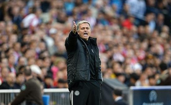 Mourinho – kẻ thù lớn cuối cùng của Liverpool
