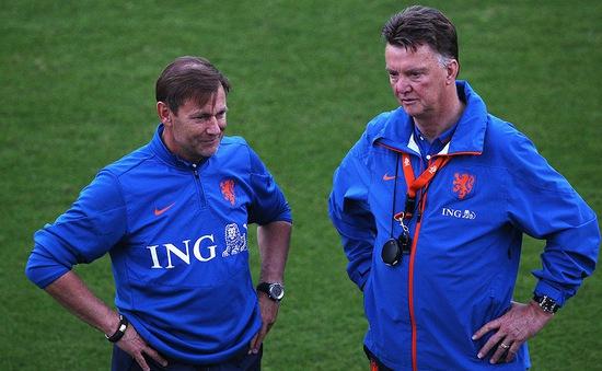 Lộ diện quân sư tư vấn Van Gaal thay thủ môn bắt penalty