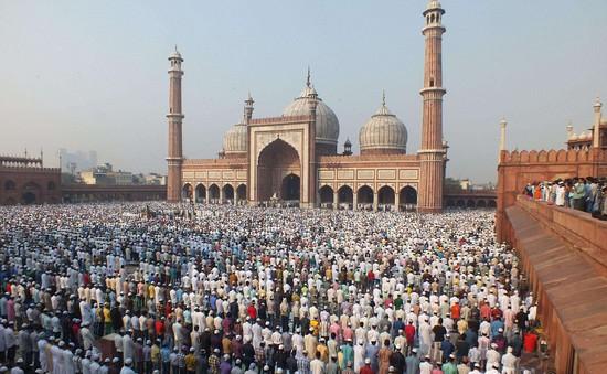 Hàng triệu người Hồi giáo trên khắp thế giới kỷ niệm lễ Eid al-Fitr