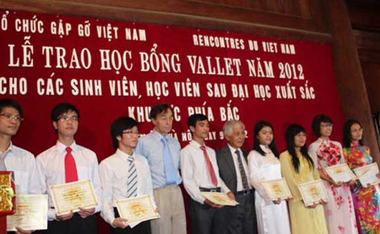130 sinh viên, học viên sau Đại học nhận học bổng Vallet