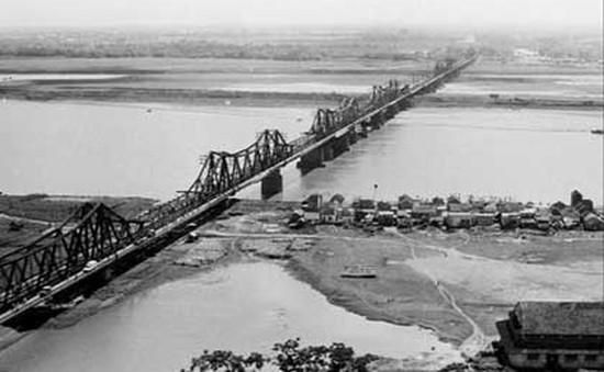 Hà Nội sẽ thận trọng khi quyết định về cầu Long Biên