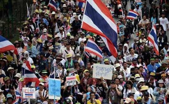Thái Lan: Biểu tình chống chính phủ bùng phát mạnh
