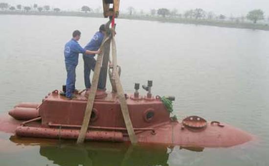 Thử nghiệm tàu ngầm mini tự chế mang tên Trường Sa