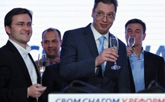 Serbia: Chính phủ của Thủ tướng Aleksandar Vucic nhậm chức