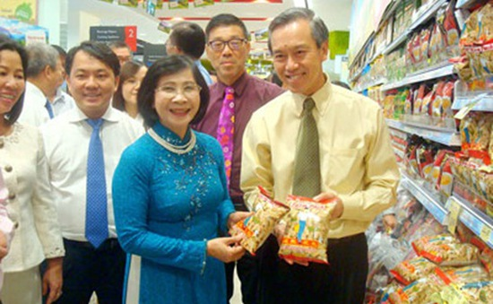 Hàng Việt Nam vào hệ thống 270 siêu thị Singapore