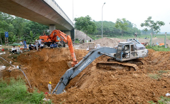 Đường ống dẫn nước Sông Đà vỡ lần thứ 7