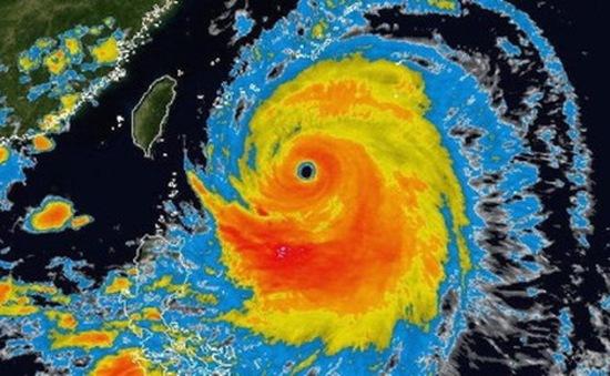 Hàng trăm nghìn người Nhật Bản tìm nơi trú bão Neoguri