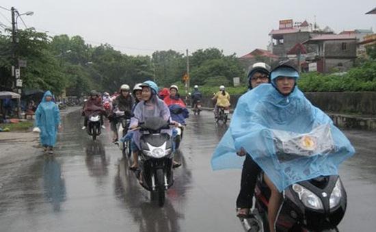 Các tỉnh miền Bắc có mưa lớn, miền Trung bớt nắng nóng
