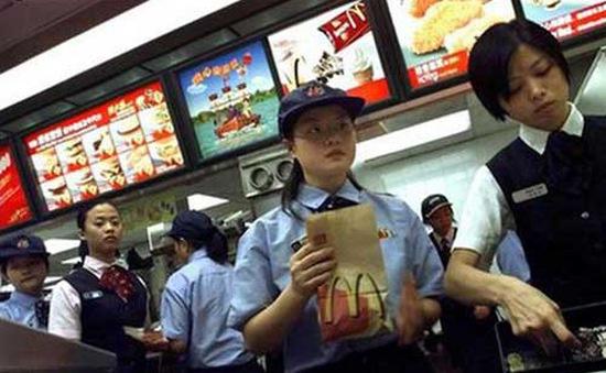 """Bê bối thịt """"bẩn"""", McDonald tại Trung Quốc phải thay đổi thực đơn"""