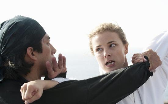 """Hình ảnh ấn tượng của Emily VanCamp trong phim """"Báo thù"""""""
