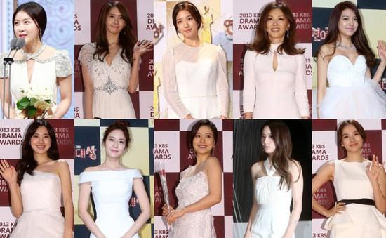 Sao Hàn đồng loạt diện váy trắng trên thảm đỏ cuối năm