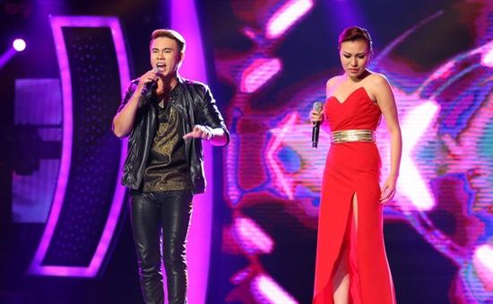 """Vietnam Idol - Gala 6: Mỹ Tâm """"ghen"""" khi Đông Hùng hôn Phương Linh"""