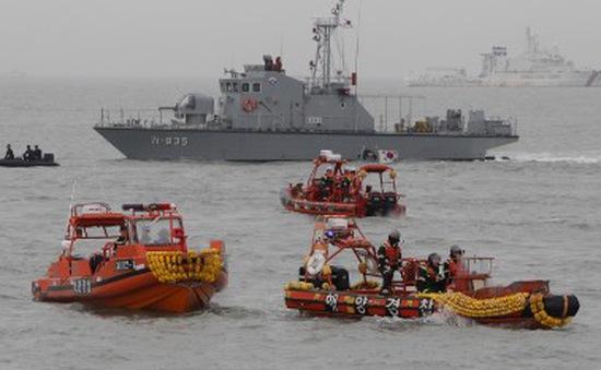 Vụ chìm phà Hàn Quốc: Hiệu phó trường Danwon tự tử sau khi được cứu