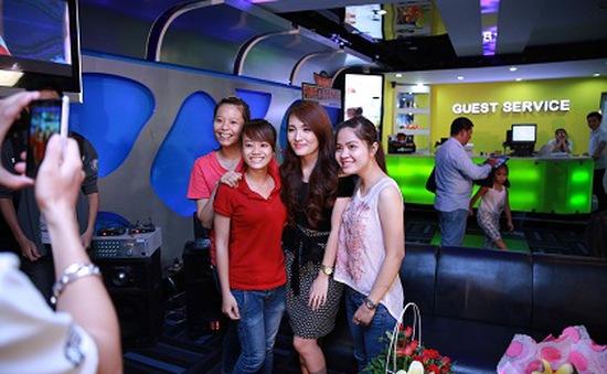 Top 2 Vietnam Idol háo hức gặp gỡ và giao lưu với fan