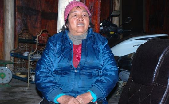 Người phụ nữ Mông không biết chữ nuôi 2 con vào đại học