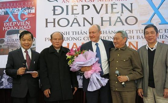 """Ra mắt ấn phẩm """"Điệp viên hoàn hảo X6"""" tại Hà Nội"""