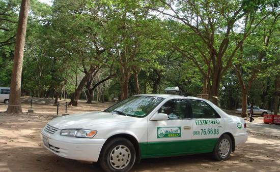 """Câu chuyện của """"bóng hồng"""" lái xe taxi Mai Linh"""