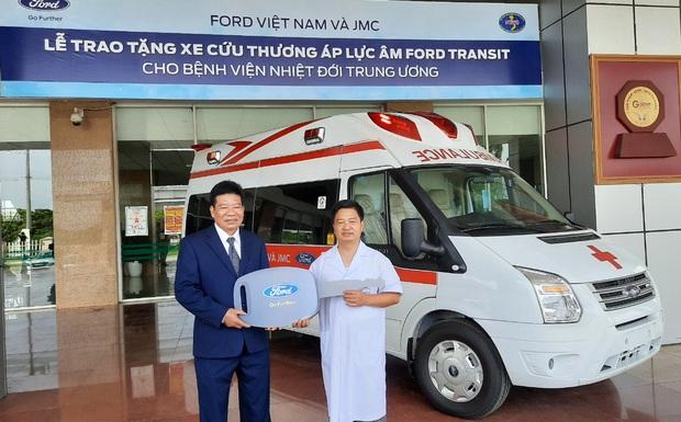 Việt Nam có xe cấp cứu áp lực âm đầu tiên hỗ trợ chống dịch COVID-19