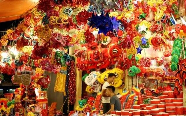 Colourful lanterns to cast glow around Hoan Kiem Lake at Mid-autumn festival
