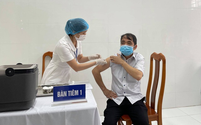 50 người đầu tiên tiêm vaccine COVID-19 tại Cao Bằng