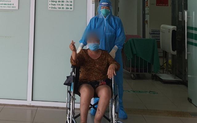 Nữ bệnh nhân COVID-19 nguy kịch hồi phục sau 24 ngày điều trị tích cực