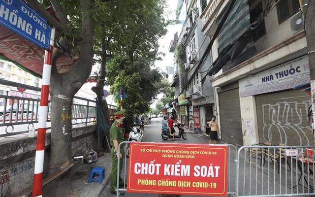 Hà Nội khẩn tìm người từng đến ngõ 187 Hồng Hà và chợ Long Biên