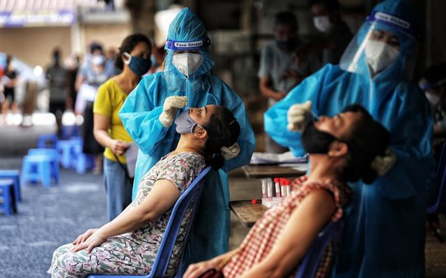 Hơn 464.300 ca COVID-19 đã chữa khỏi; Hà Nam tìm người đến các địa điểm liên quan đến chùm F0