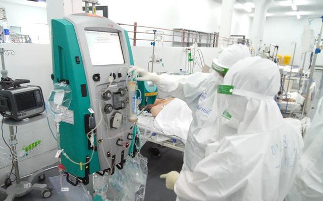 527.926 bệnh nhân COVID-19 được chữa khỏi; số ca nặng đang thở máy ở TP Hồ Chí Minh ngày càng giảm